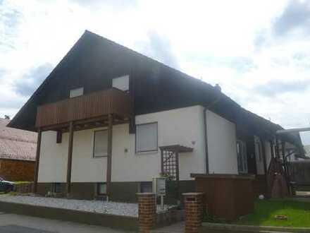 Schöne 2 ZKB Wohnung mit großzügiger Diele in Maxhütte-Haidhof