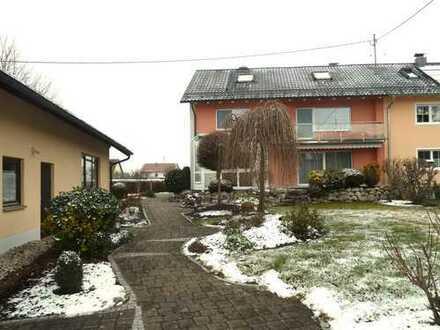 Großzügige Doppelhaushälfe in ruhiger Lage in Großaitingen