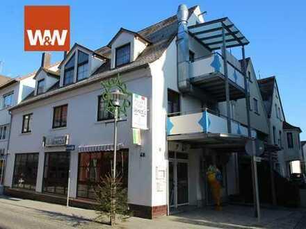 Wohnen und arbeiten unter einem Dach. Gastronomie / Büro mit Galeriewohnung über zwei Ebenen.