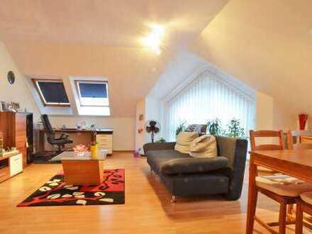 Helle 2-Zimmerwohnung mit Pkw-Stellplatz