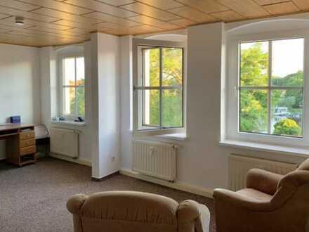 Gepflegte Wohnung mit zwei Zimmern und EBK in Havelberg