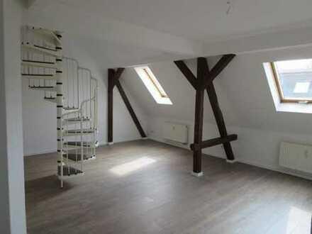kleine Maisonettwohnung mit offener Küche