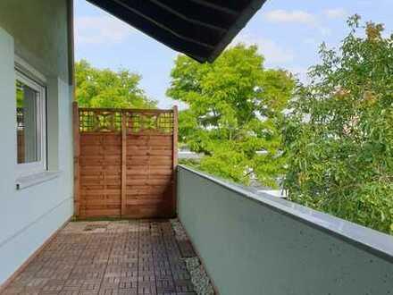 +++ Ruhige, zentrale 3 -Zi. Whg. mit Gemeinschaftsgarten/2 Balkone