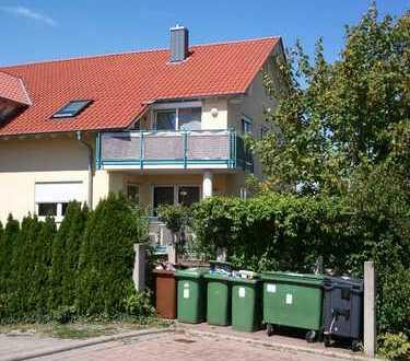 Schöne drei Zimmer Wohnung in Enzkreis, Neulingen