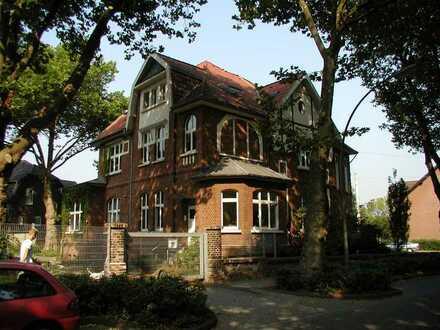 Großzügige Büroräume in sehr schöner Altbauvilla in Bottrop zu vermieten!