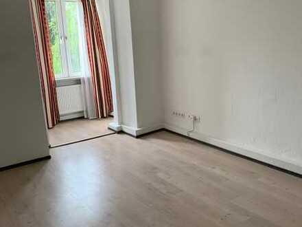 Geräumige 4 Zimmerwohnung in Wuppertal- Elberfeld!