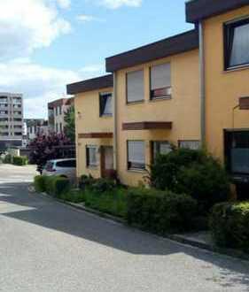 Pforzheim-Arlinger - Schönes Reihenmittelhaus