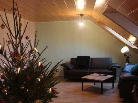 4,5-Zi-Dachgeschosswohnung mit Balkon, EBK, Garage in Untermünkheim