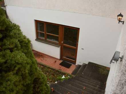 Gepflegte Wohnung mit eineinhalb Zimmern und EBK in Neustadt an der Aisch