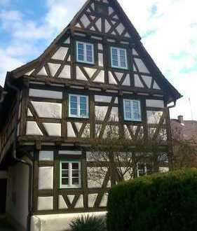 Malerisches Fachwerkhaus in Ortsmitte