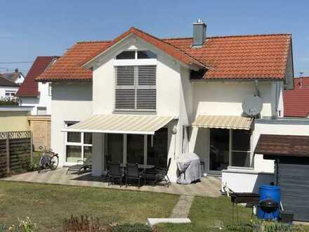Schönes, geräumiges Haus mit fünf Zimmern in Ravensburg (Kreis), Aulendorf
