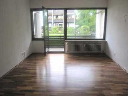 Brück Immobilien - Attraktive 3 Zi.-Eigentumswohnung mit Ost-Loggia
