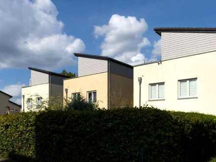 Einfamilienhaus mit Garten + Garage am Haus