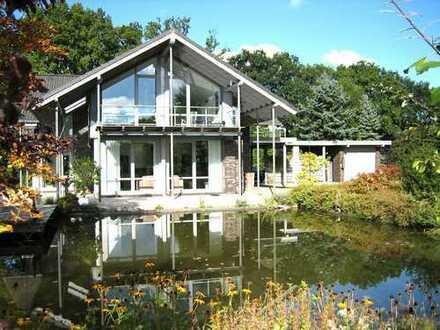 Architektenhaus mit 10.000 m² Grundstück, Teich und viel mehr!