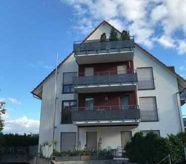 Exklusive 3,5 Zimmer- Stadtwohnung mit Aufzug, 2 Balkone, Garage und HMS