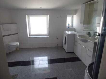 Geräumige 5-Zimmer-Wohnung in Heppens zu vermieten!