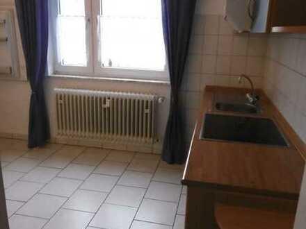 Gemütliche 2-Zimmerwohnung mit Einbauküche und Bad!