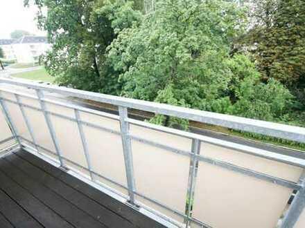 Attraktive Dachgeschosswohnung in idyllischer Wohnanlage!