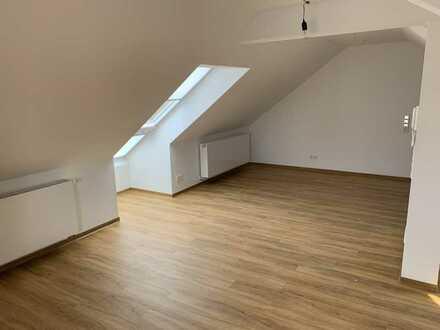 Erstbezug nach Sanierung: freundliche 4-Zimmer-Wohnung zur Miete in Heddesheim
