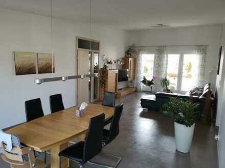 - RESERVIERT - Außergewöhnliche und neuwertige 4-Zimmer-Penthouse-Wohnung in Erlangen