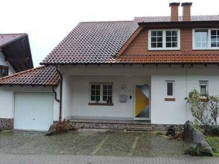 Doppelhaushälfte in guter Lage von Frankweiler mit toller Fernsicht
