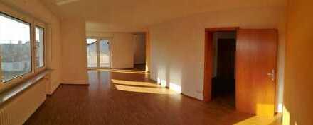 Sonnige 3,5 Zimmer Wohnung in gefragter Lage in Weinheim/Lü