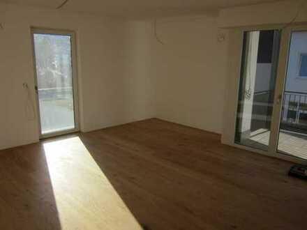 Erstbezug mit Balkon: freundliche 3-Zimmer-Wohnung in Tiefenbach