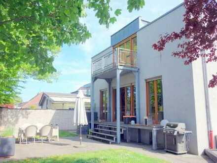 CHIC - MODERN - INDIVIDUELL freistehendes Einfamilienhaus in Moers-Hülsdonk