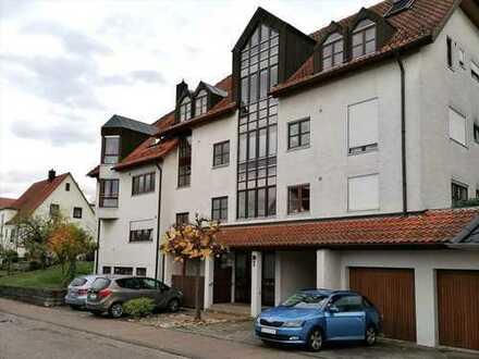 Schöne 3,5 Zimmer-Wohnung mit Terrasse, Garten und neuer EBK in Marbach am Neckar