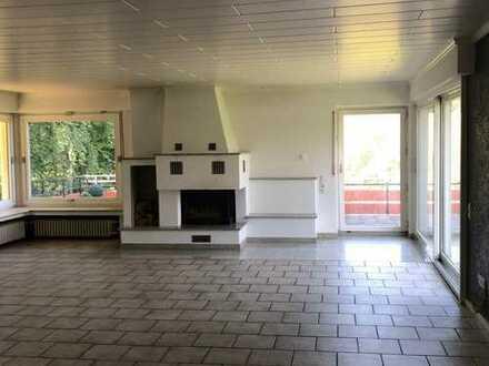 ebenerdige Eigentumswohnung mit Terrasse, Kamin und PKW-Stellplatz, direkt am Wald in Hagen Hestert