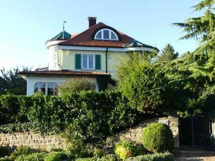 Esslingen-Neckarhalde: Exklusive Villa mit befristetem Mietverhältnis