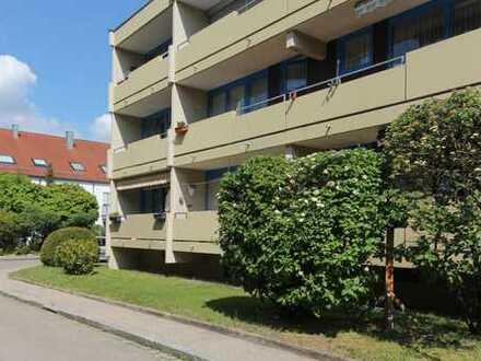 +++ NEU am Markt: 2 Zimmerwohnung mit Südloggia und TG-Stellplatz in Augsburg-Kriegshaber +++