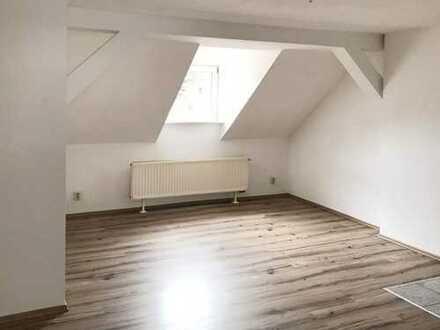 3 - Zimmer-Etagen-Wohnung - im DG