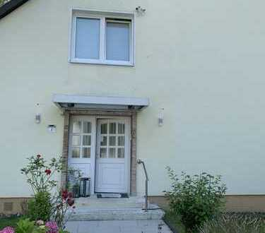 890 €, 80 m², 3 Zimmer