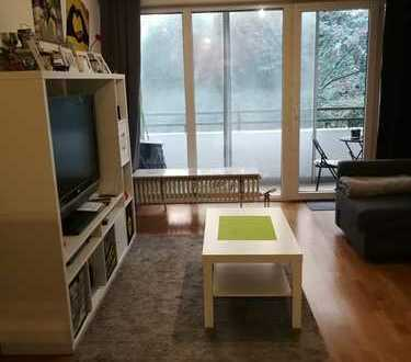 Stilvolle, gepflegte 1-Zimmer-Erdgeschosswohnung mit Balkon in Wiesbaden