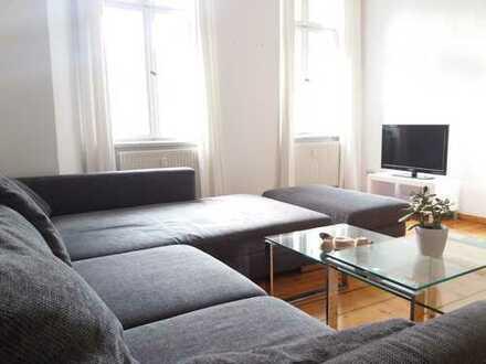 möblierte 2-Zimmer Altbauwohnung mit Wohnküche -zur ZWISCHENMIETE 6 Monate-auf Bänschstrasse (Fhain)