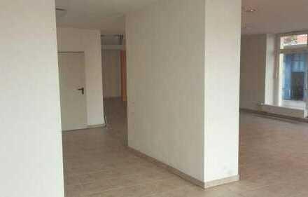 11_IB2715VLb Gepflegtes Ladenbüro mit großem Schaufenster / Regensburg - Reinhausen