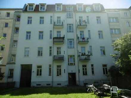 Helle 3-Raum-Wohnung - WG-geeignet