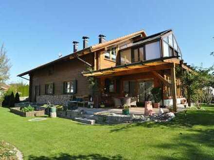 Exklusives Blockhaus in naturnaher Wohnlage