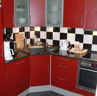Neuwertige 3,5-Zimmer-Wohnung mit Balkon und Einbauküche in Leer