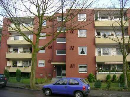 Schöne 3 Zimmer-Wohnung mit Balkon und Gäste-WC!!!