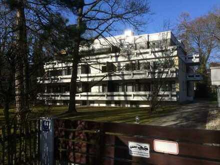 Provisionsfrei! München - Harlaching, schönes Apartment mit Balkon, TG-Stellplatz