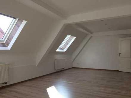 Vollständig renovierte 3,5-Zimmer-Maisonette-Wohnung zur Miete in Heltersberg
