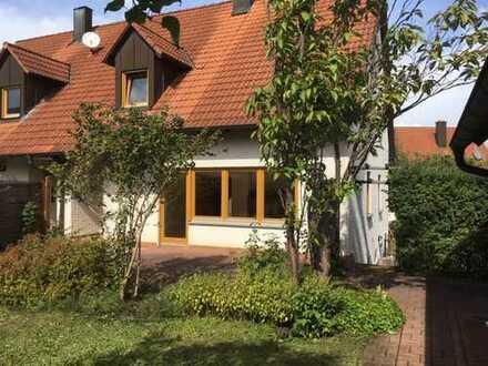 Schönes Haus mit fünf Zimmern in Amberg-Sulzbach (Kreis), Edelsfeld