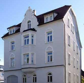 Helle, hochwertige Altbau Maisonette-Wohnung RT (zentrumsnah)
