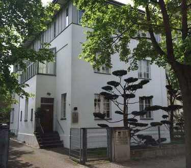 Schöne 1 Zimmer Wohnung mit Wintergarten in Westend