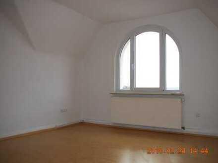 Charmante, ruhige, zentrale 4-Zimmer-Wohnung mit Meißnerblick
