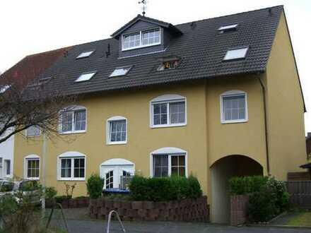 Helle 3 Zimmer - Maisonettew. mit Balkon, Einbauküche, Fußbodenheizung+Garage in absoluter Rheinnähe