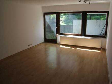 Schöne 3 Zimmerwohnung in Ruhiger Lage inkl Gartenanteil und überdachter Terrasse