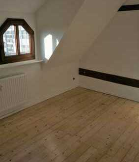 Kernsanierte Top 3 Zimmer Altbaudachgeschoss Wohnung mit 106qm Grundfläche Mülheim Schanzenviertel